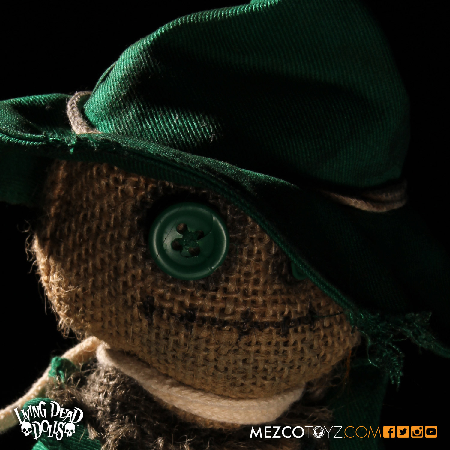 Living Dead Dolls Lost In Ox Emerald City Variants - Scarecrow